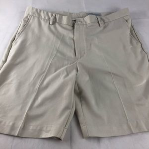 Greg Norman Ultralight Flat Front Shorts 38